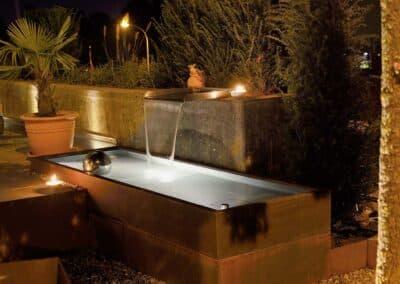 Gartenbeleuchtung und Brunnen / Wasserspiel